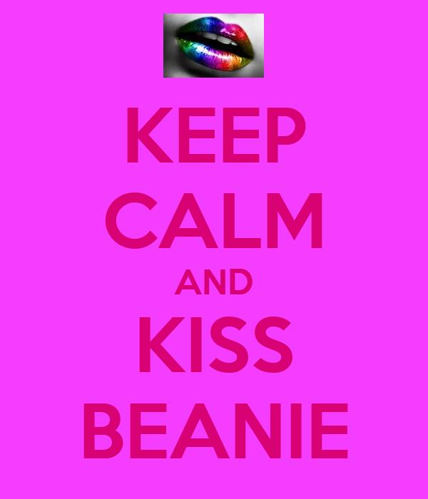 KEEP CALM AND KISS BEANIE