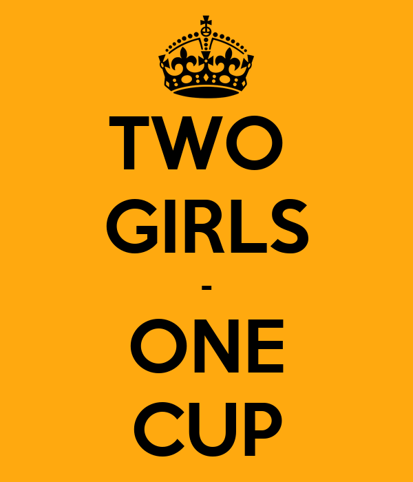 Two girls on cup muschi lie