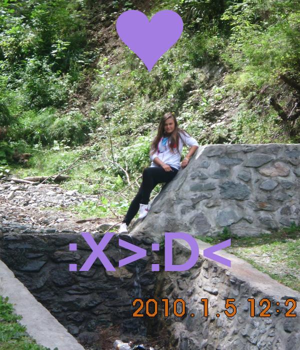 :X>:D<
